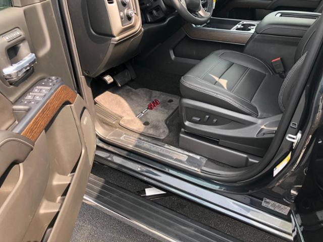 2018 Callaway Sierra SC560 - interior