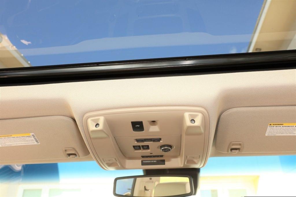 2015 Callaway Yukon XL Denali SC560 - sunroof and overhead controls