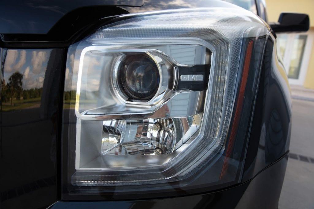 2015 Callaway Yukon XL Denali SC560 - driver headlight