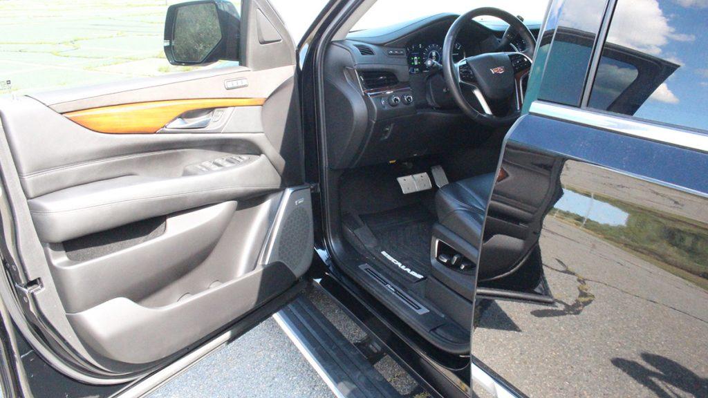 2018 Callaway Escalade SC560 - driver's door view