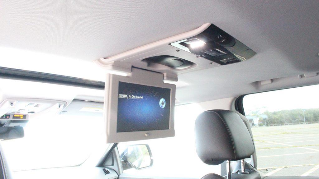 2018 Callaway Escalade SC560 - rear seat DVD