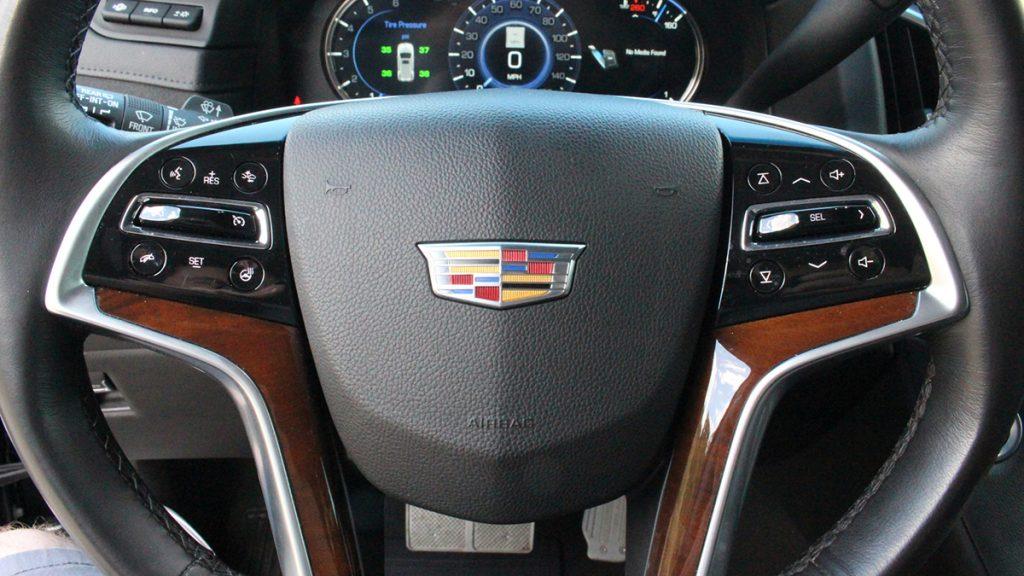2018 Callaway Escalade SC560 - steering wheel